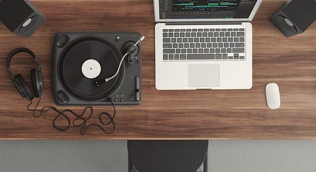 MUSIC & SOUND EFFECTS